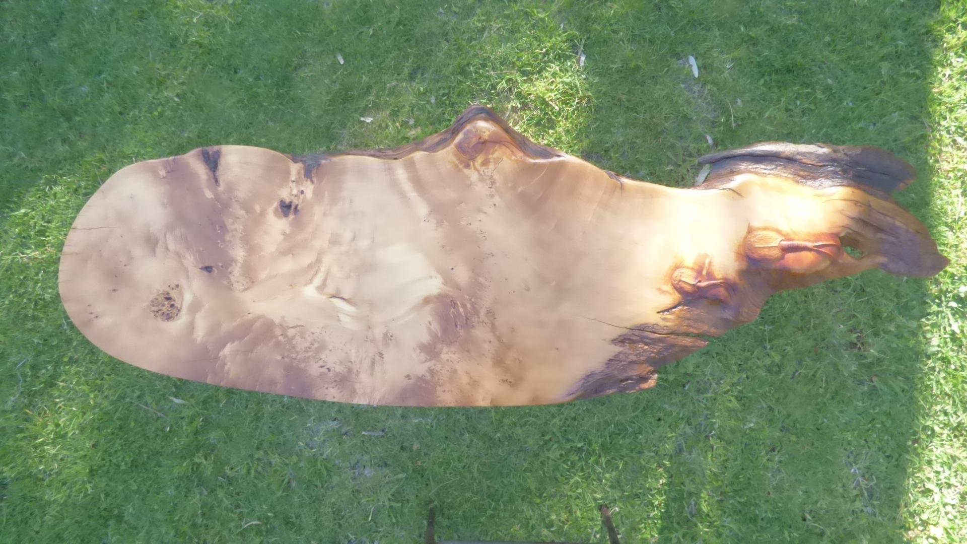 coffee table in huen pine